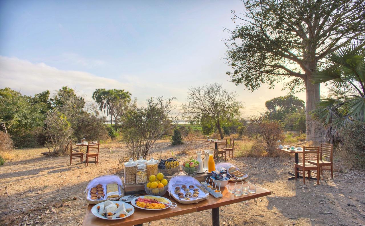 Breakfast In Camp Roho 2
