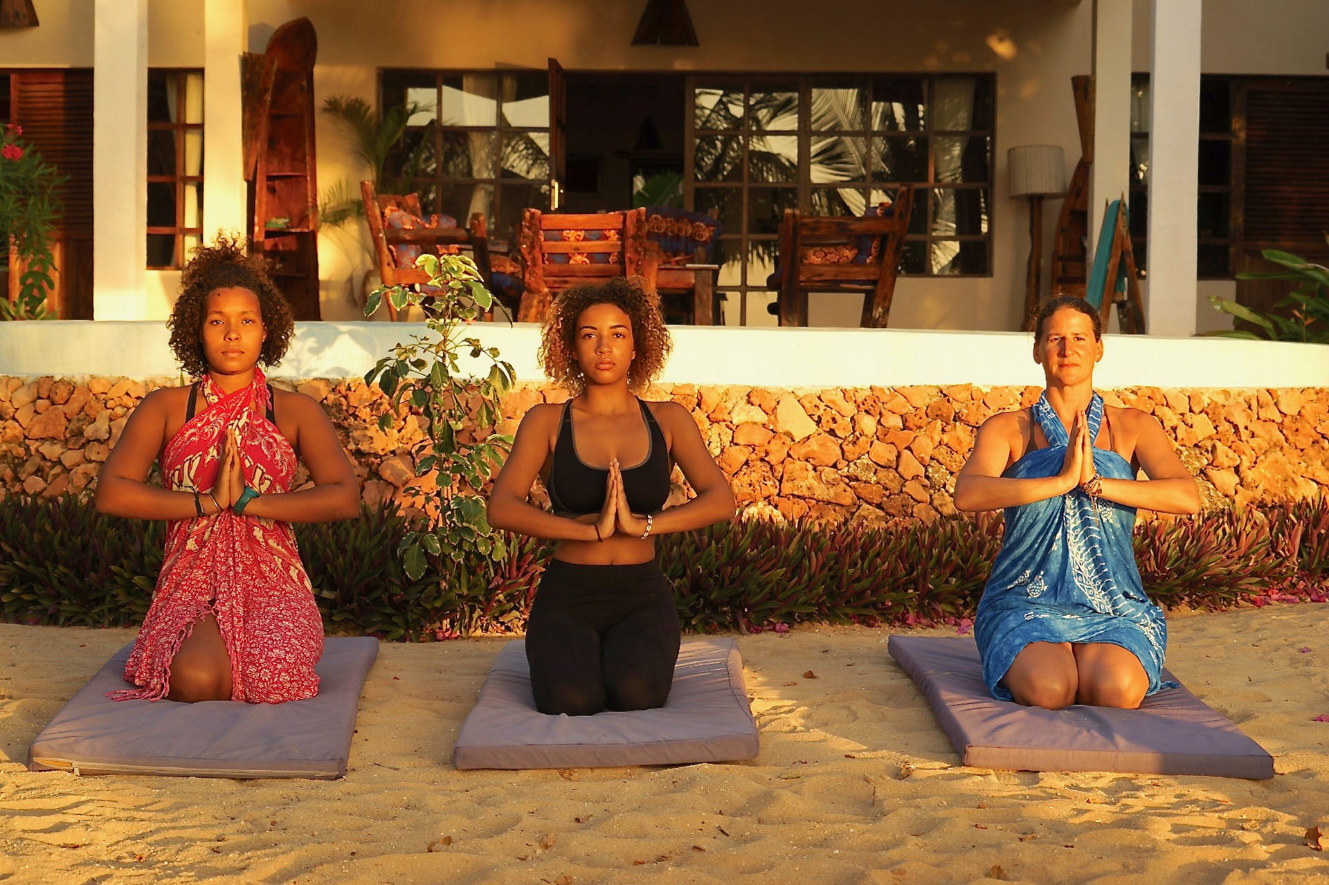 THE PALMS, Yoga Lesson