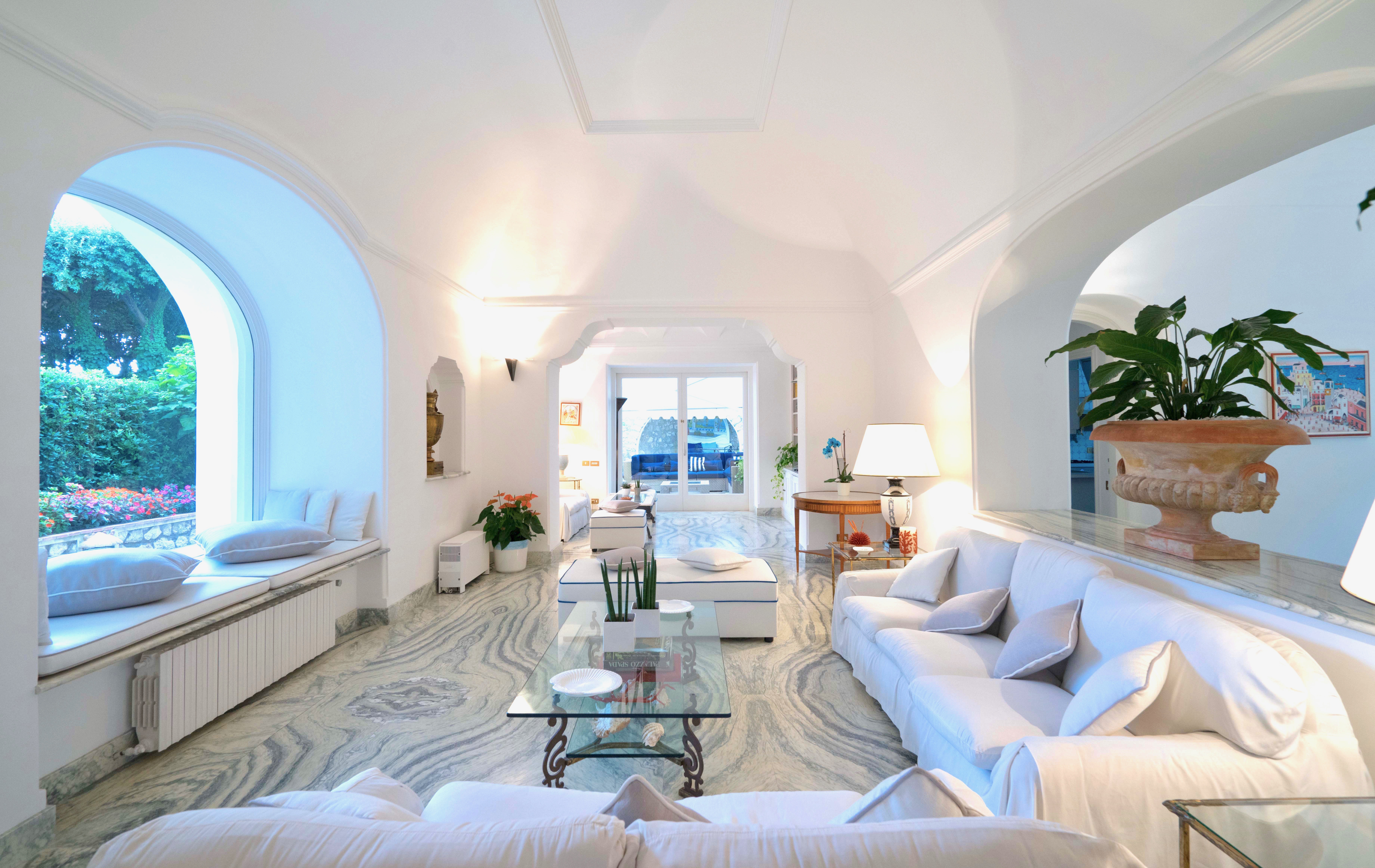 8 Villa Piazzetta Main Lounge