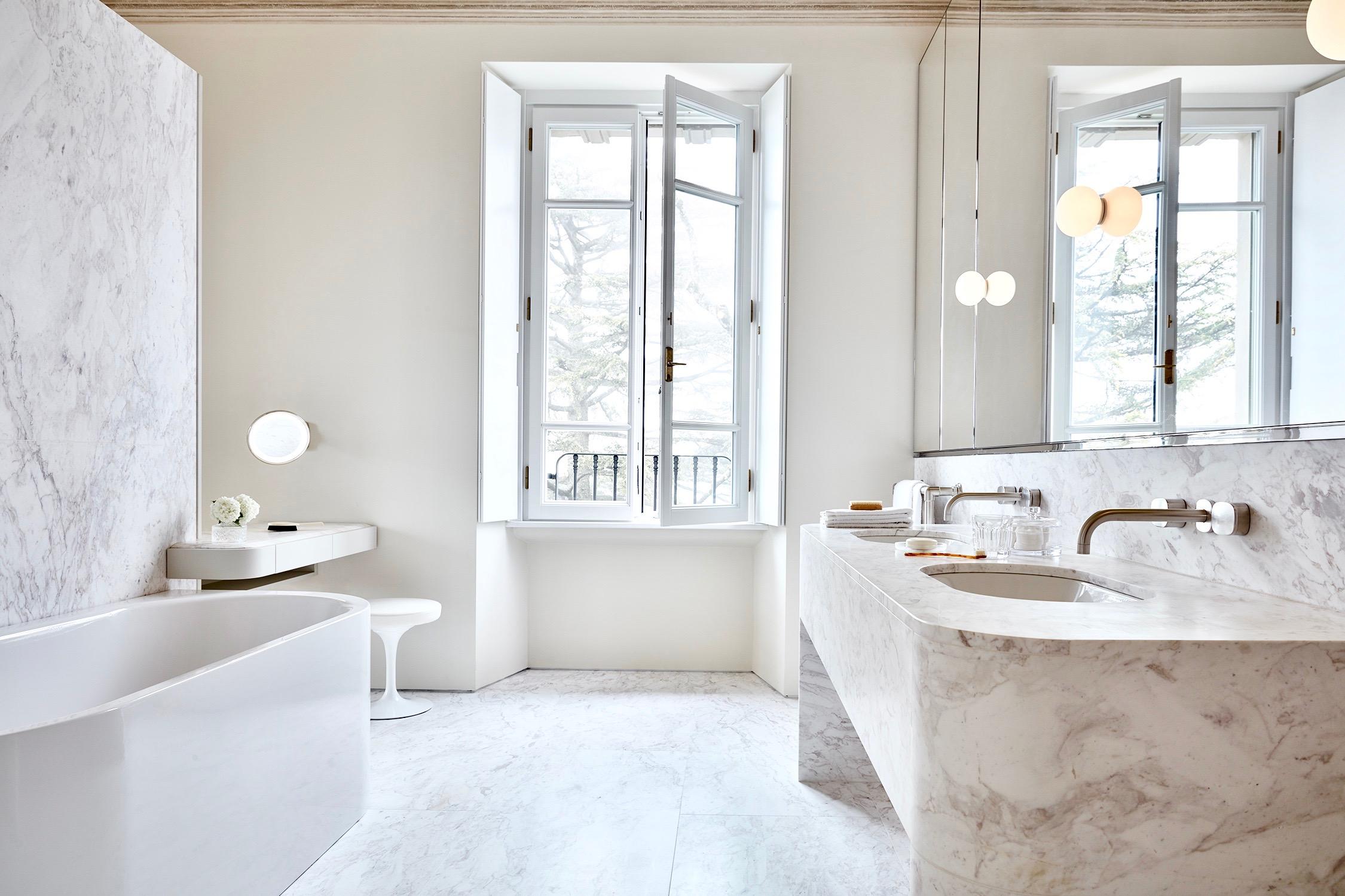 Villa Peduzzi Pigra Lake Como First Floor Master Suite Bathroom