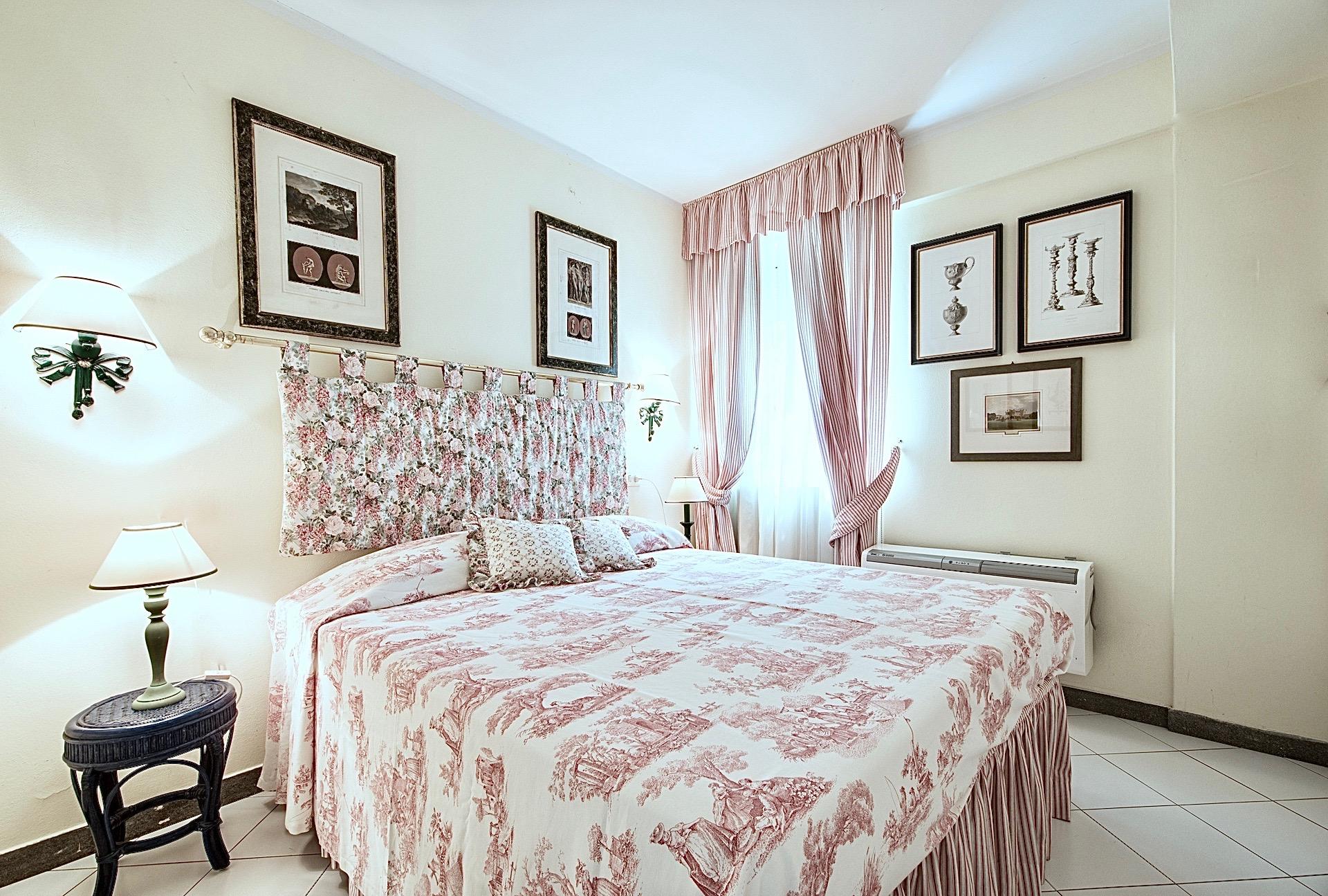 Bedroom01 01