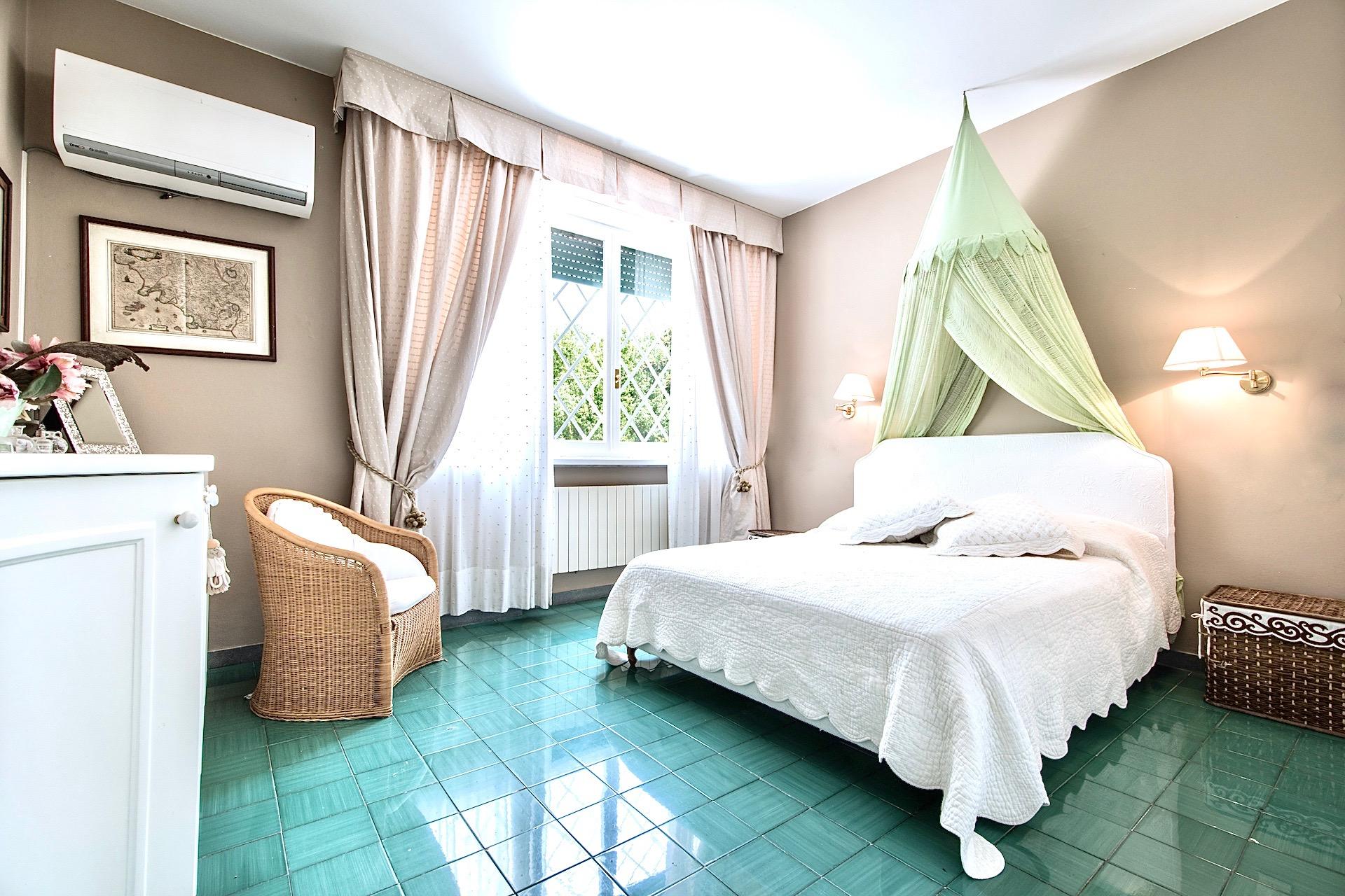 Bedroom06 01