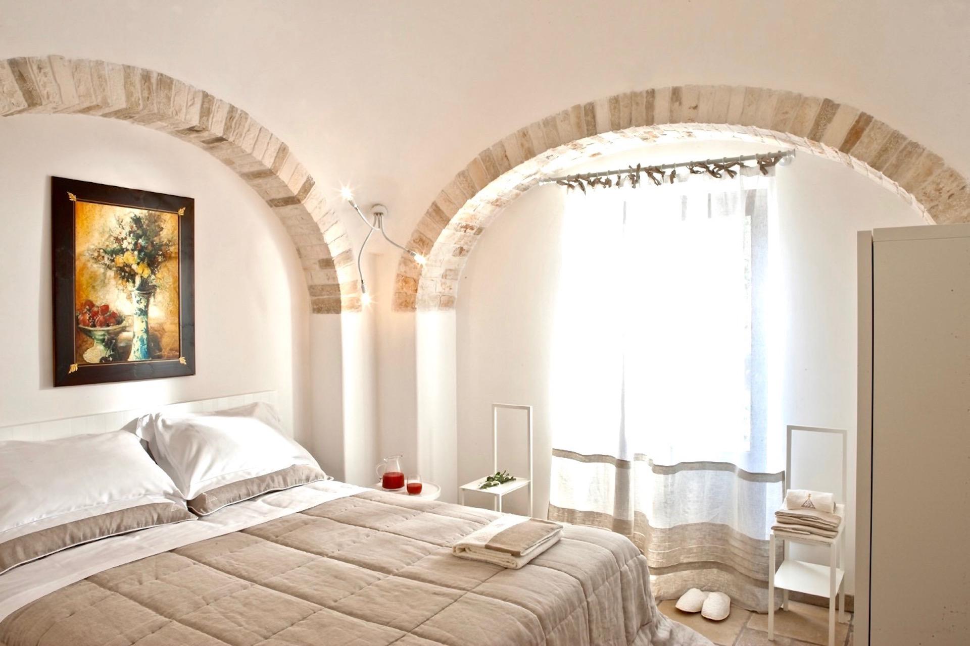 Bedroom 112 2