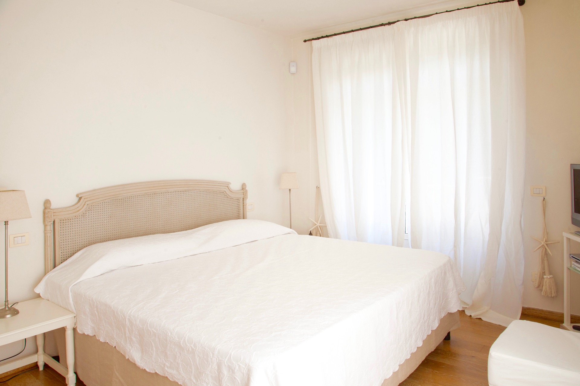 VillaBedrooms 6987