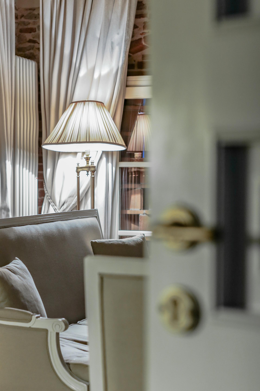 Villa Bedroom Macro1