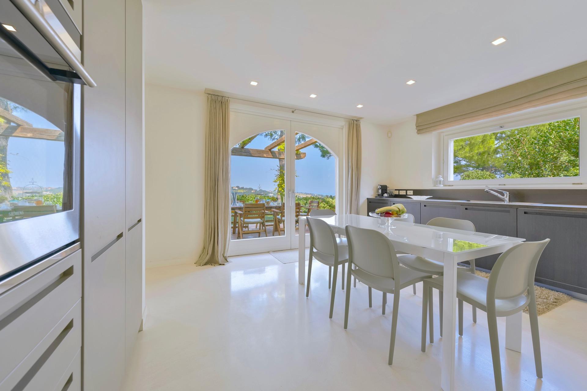 Kitchen1 4