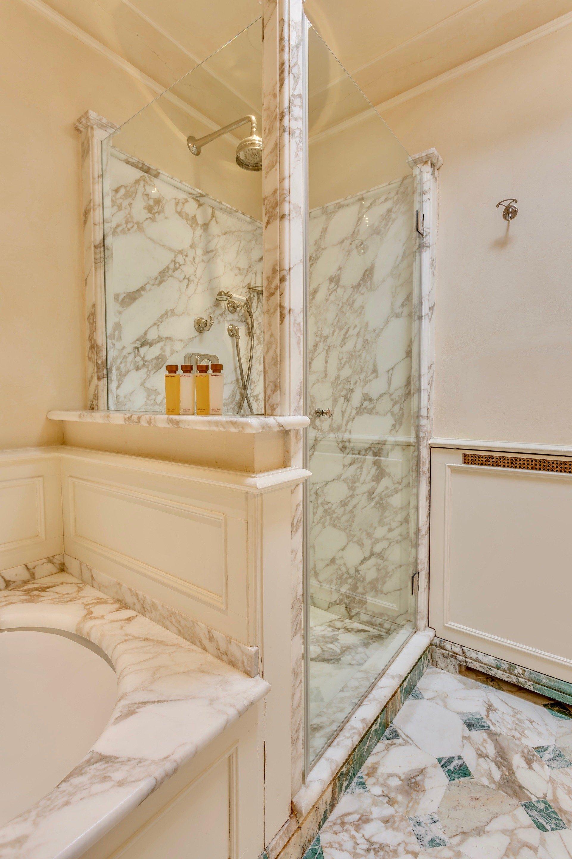 39.The Oriental Bathroom