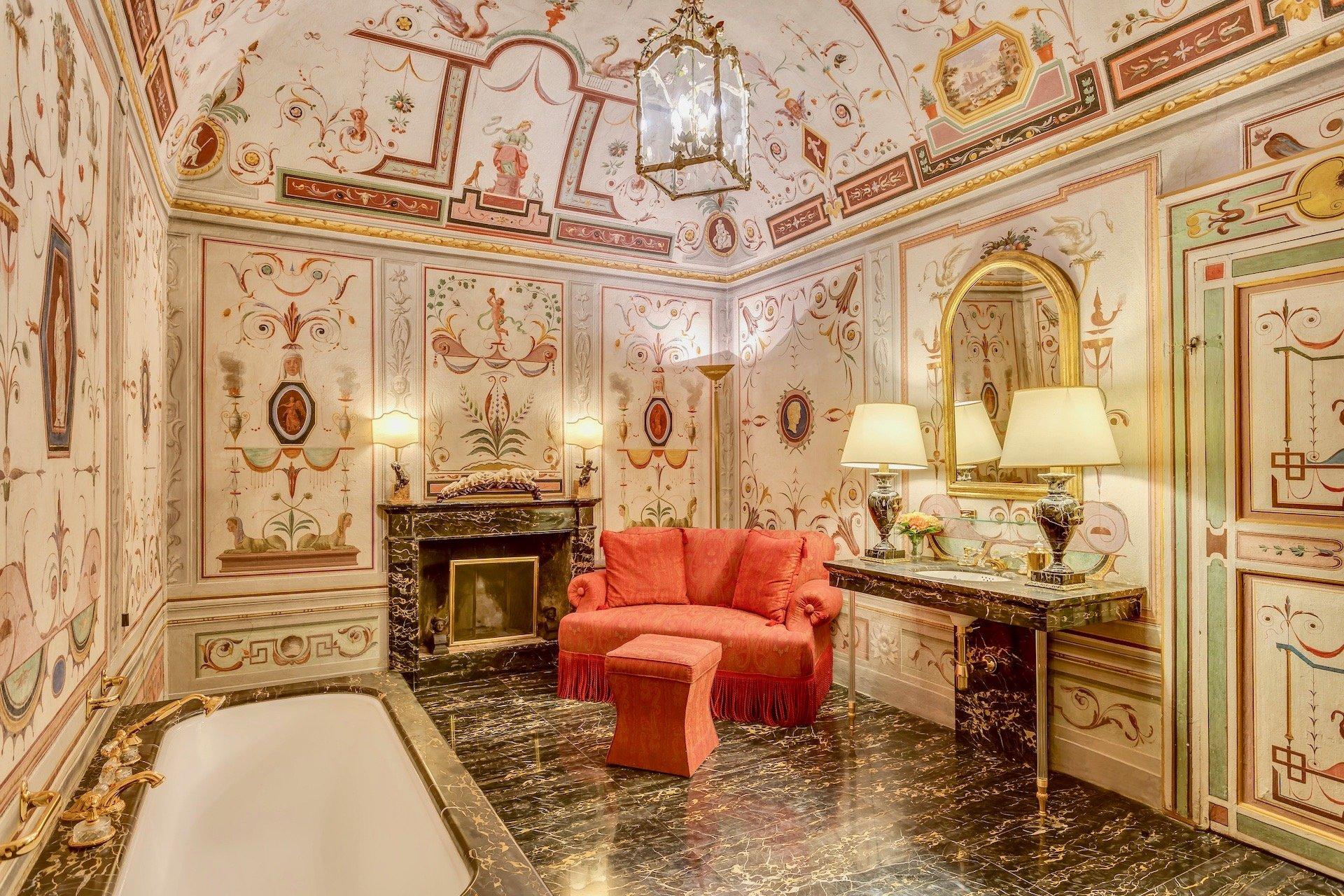 9.The Baldacchino Bathroom