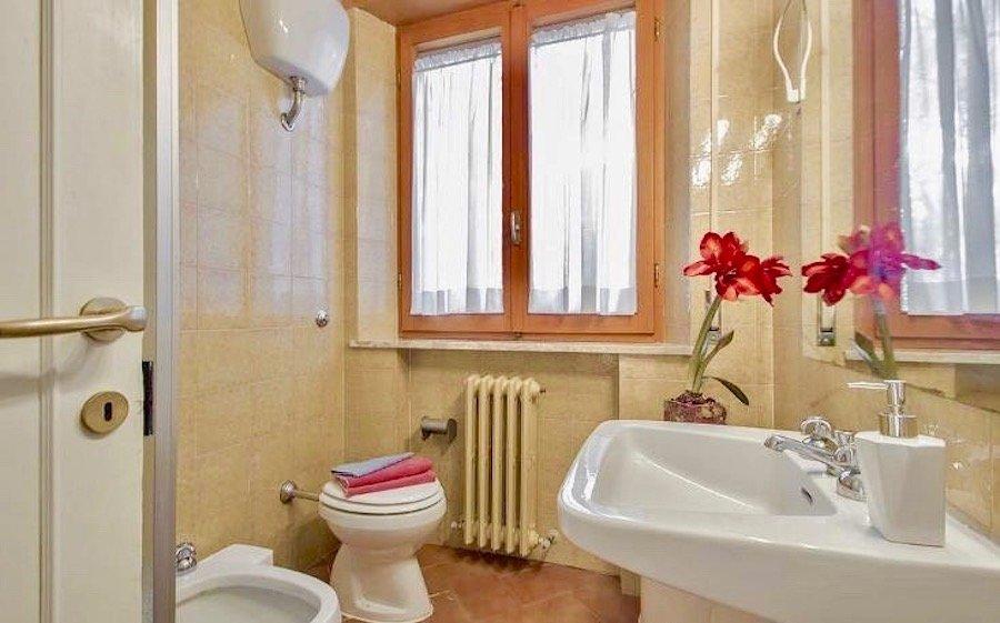 Bathroom French Twin